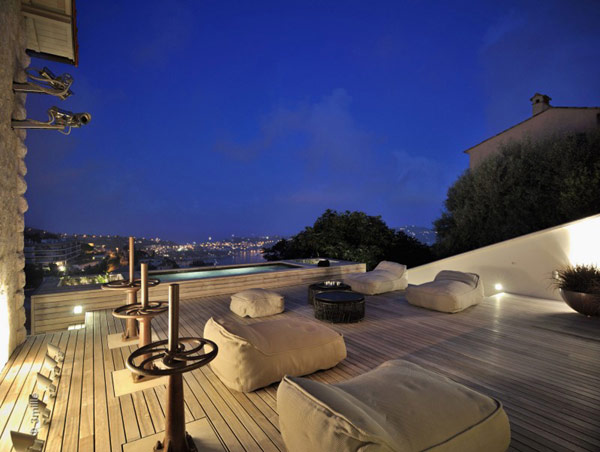 terrace of the Water Cleaning Station Transformed in a Impecable Modern Mansion homesthetics (1)