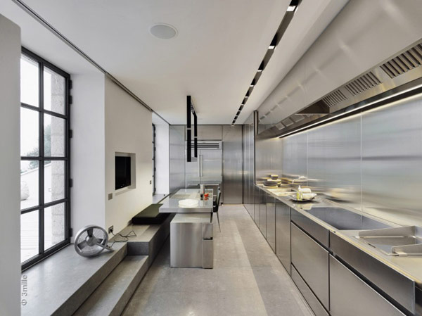 Water Cleaning Station Transformed in a Impecable Modern Mansion homesthetics (1)