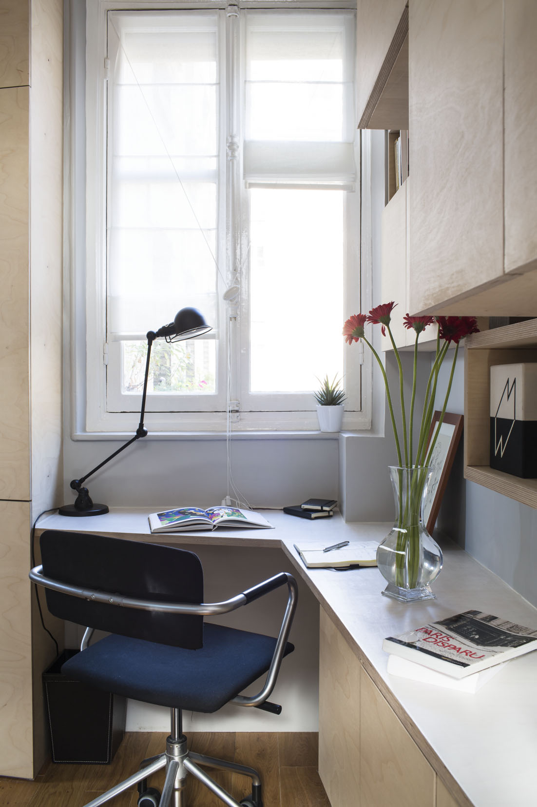 small desk area Small Room Design-16m² Apartment in Paris by Marc Baillargeon&Julie Nabucet