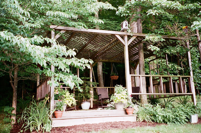 simple pergola 40+ Pergola Designs Meant to Transform Your Backyard Landscaping Into a Green Heaven