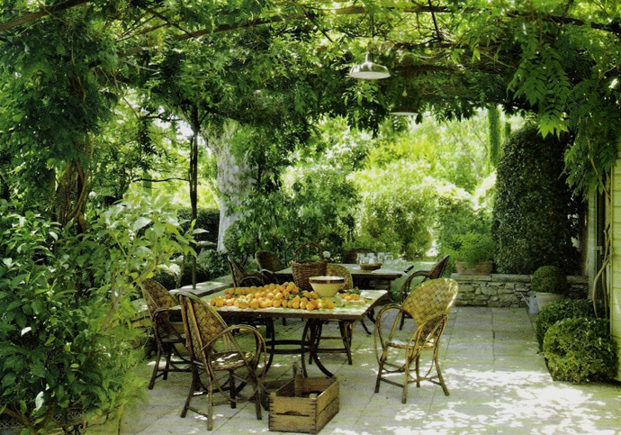 40+ Pergola Designs Meant to Transform Your Backyard Landscaping Into a Green Heaven