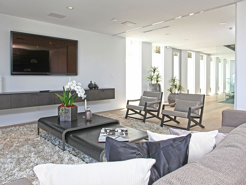 beige black and white 8320-Grand-View-Drive-Modern-Mansion-on-Sunset-Strip-Offering-Expansive-Views-over-Los-Angeles-homesthetics