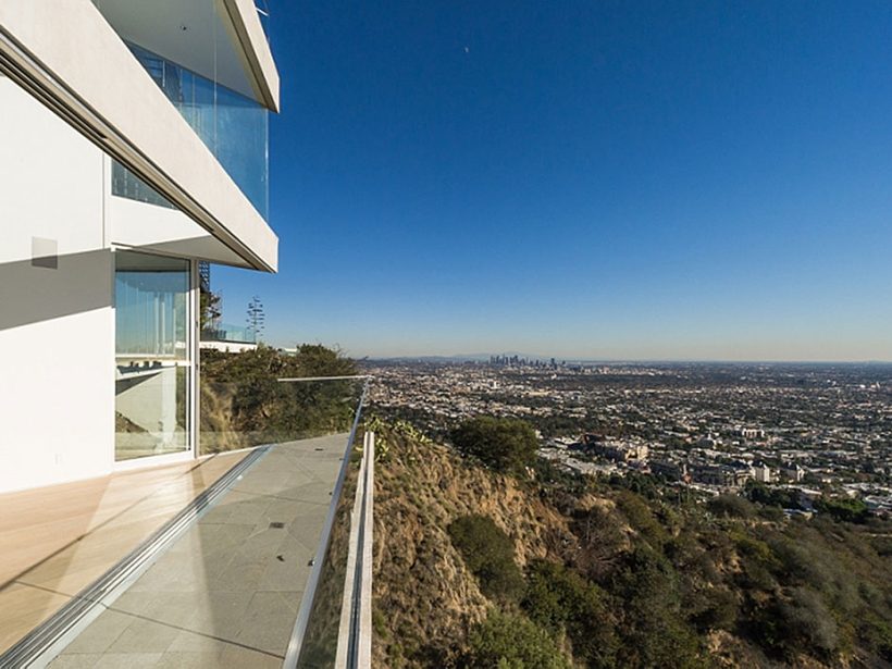 great killer views 8320-Grand-View-Drive-Modern-Mansion-on-Sunset-Strip-Offering-Expansive-Views-over-Los-Angeles-homesthetics