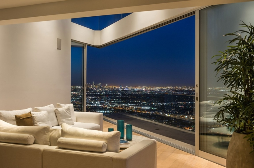 corner living room design 8320-Grand-View-Drive-Modern-Mansion-on-Sunset-Strip-Offering-Expansive-Views-over-Los-Angeles-homesthetics