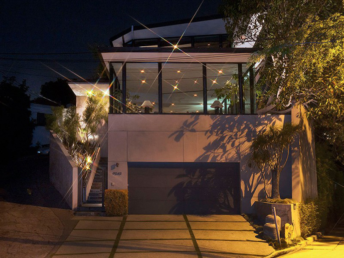 car access Contemporary-Traditional Mixture in a Sunset Strip Modern Mansion by Hagy Belzberg