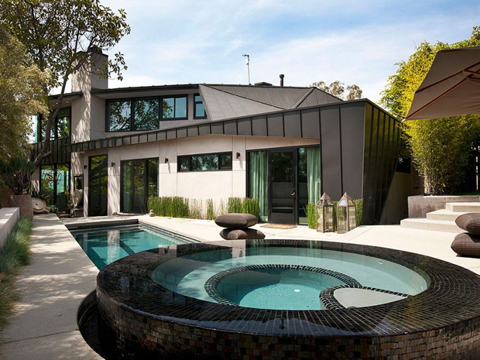 Contemporary Traditional Mixture In A Sunset Strip Modern