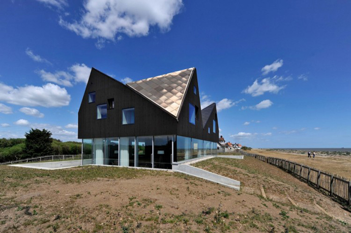 cliff view Dune House by JVA - Modern Vacation Home in Suffolk, England
