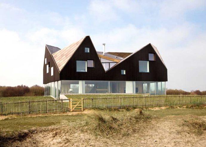 Dune House by JVA - Modern Vacation Home in Suffolk, England