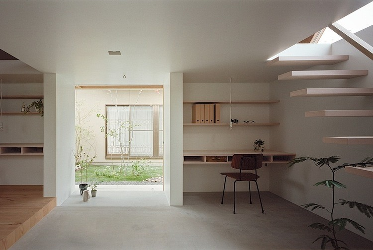 Minimalist home extension in japanese style by ma style for Asian minimalist interior design
