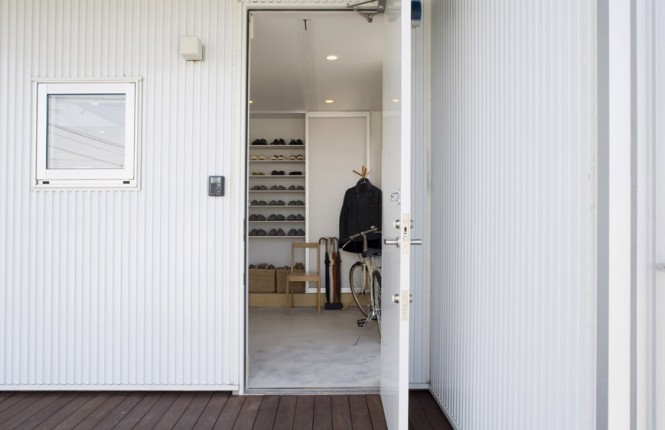 access into the Small Compact Minimalist Prebaricated Home in Japanese Style by Muji