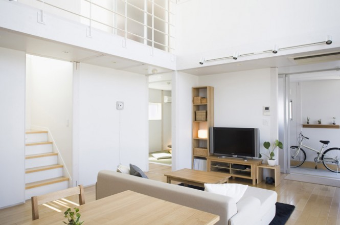 Small compact minimalist prebaricated home in japanese style by muji homesthetics inspiring - Japan small room design ...