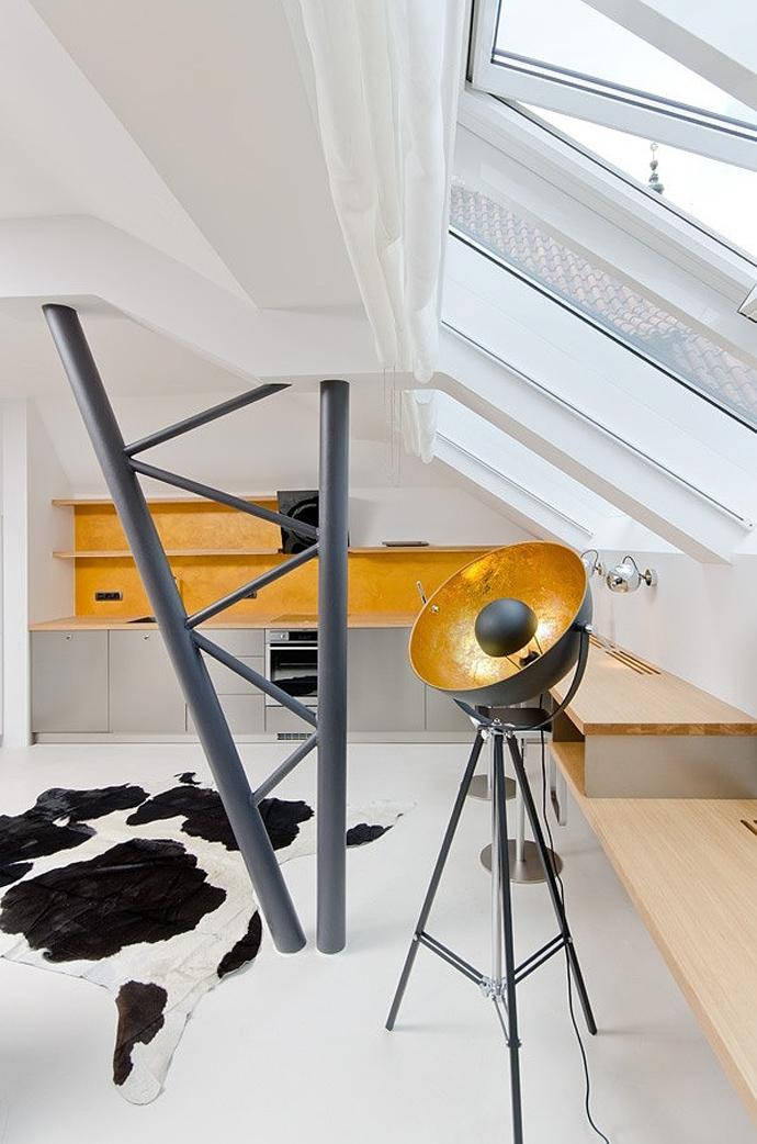 Small Tiny Minimalist Black And White Apartment In Prague by OOOOX