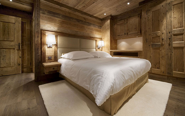 luxurious wooden interior in Stunning Modern Mansion Preserving The Roots in Courchevel, France-Les Gentianes 1850