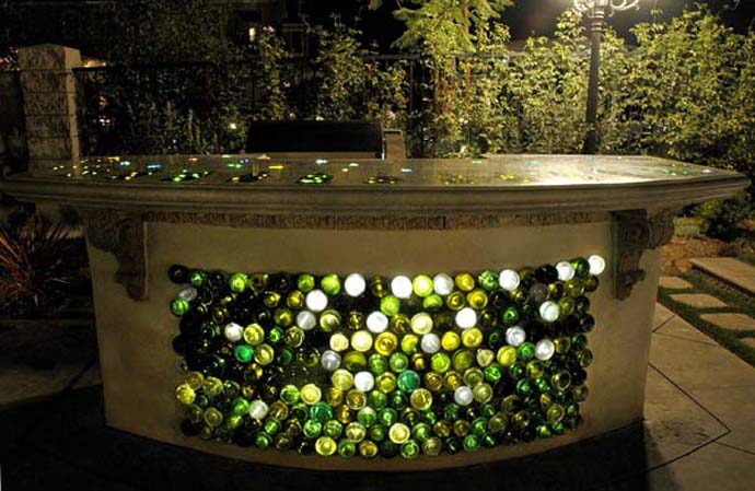 wine bottle art 20 Creative & Inspiring Ideas of How to Recycle Wine Bottles Into Pieces of Art homesthetics (26) BAR DESIGN