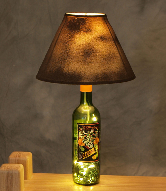 desk lamp made out of a wine bottle art 20 Creative & Inspiring Ideas of How to Recycle Wine Bottles Into Pieces of Art homesthetics (26)