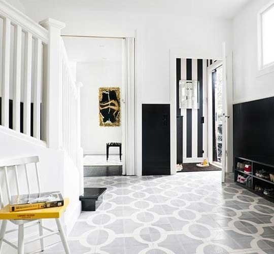 black white 10 Creative & Inspiring Traditional Black And White Hallway Designs