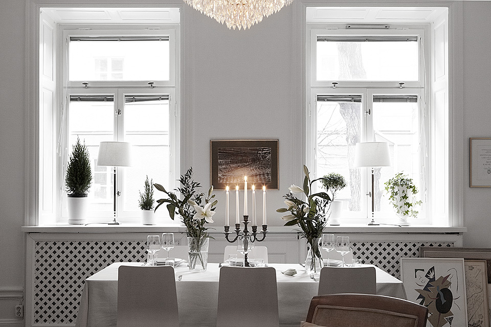 festive dinning area 10-Scandinavian-Design-Lessons-That-Would-Help-You-Bring-Warmth-and-Coziness-in-Your-Modern-Mansions