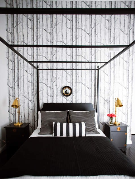 super simple 19-Creative-Inspiring-Traditional-Black-And-White-Bedroom-Designs-small-bedroom-homesthetics