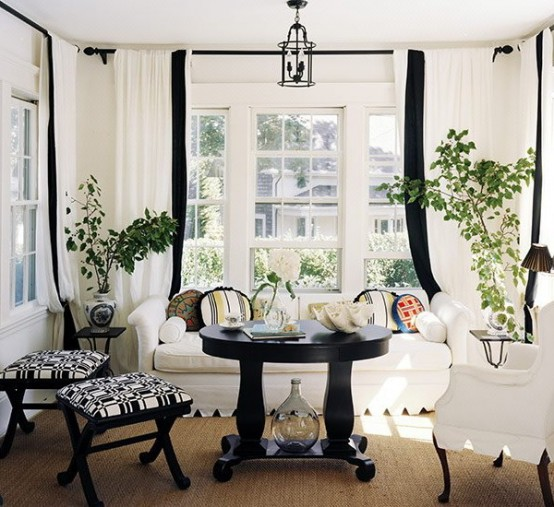classic vibe in the 21 Creative&Inspiring Black And White Traditional Living Room Designs