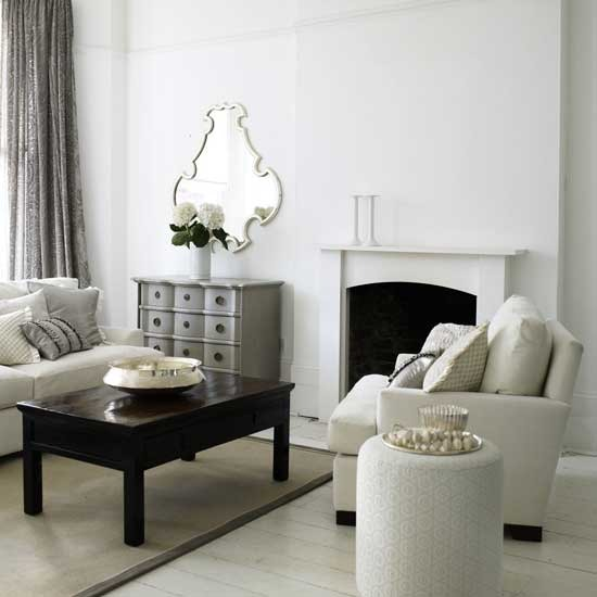 black and white 21 Creative&Inspiring Black And White Traditional Living Room Designs