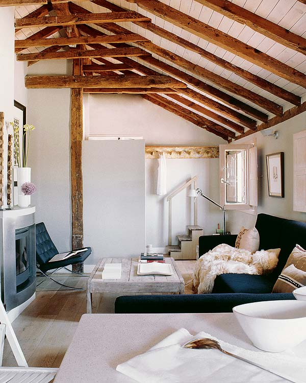 simple white attic space Small-Space-Design-Tips-Pack-Meant-to-Help-You-Enlarge-Your-Small-Interior-Design-homesthetics-studio