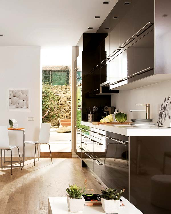 Tips To Create Simple House Interior Design With Natural: 25- Small Space Designs Tips Meant To Help You Enlarge
