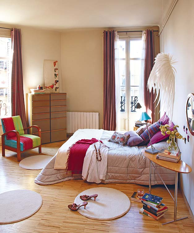 bedroom interior design Small-Space-Design-Tips-Pack-Meant-to-Help-You-Enlarge-Your-Small-Interior-Design-homesthetics-studio