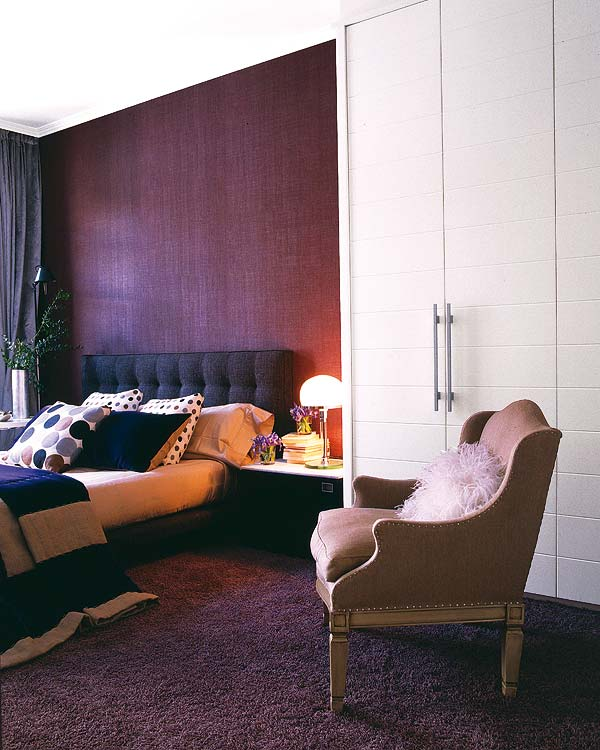 purple bedroom design Small-Space-Design-Tips-Pack-Meant-to-Help-You-Enlarge-Your-Small-Interior-Design-homesthetics-studio