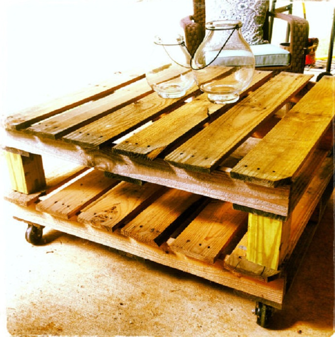 small coffee table CreativeInspiring-Methods-of-Recycling-Wooden-Pallets-Into-Your-Own-Garden