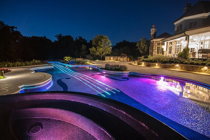 illuminated swimming pool Backyard Landscaping Ideas-Swimming Pool Forged as a Stradivarius Violin homesthetics design (22)