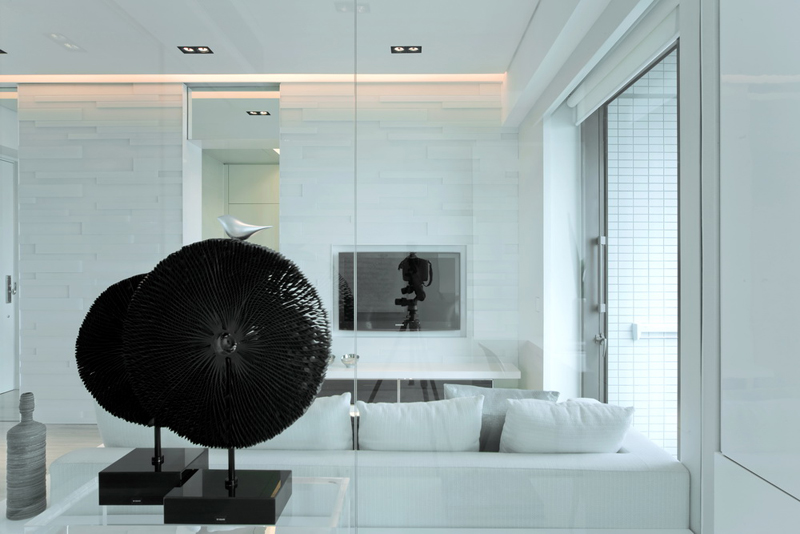 Black & White Dynamic Interior Design-Kindled Water Splashed on a Black Wall