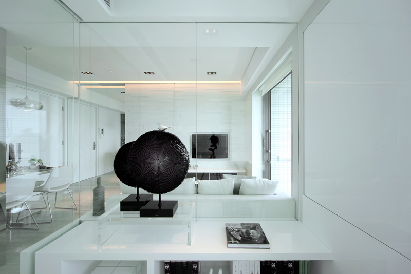 simple black and white Black & White Dynamic Interior Design-Kindled Water Splashed on a Black Wall