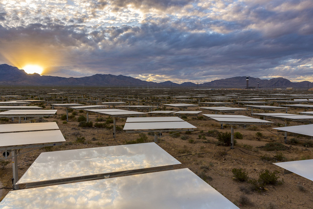 breathtaking view Ivanpah SEGS - World's Largest Solar Plant Started Creating Electricity Today