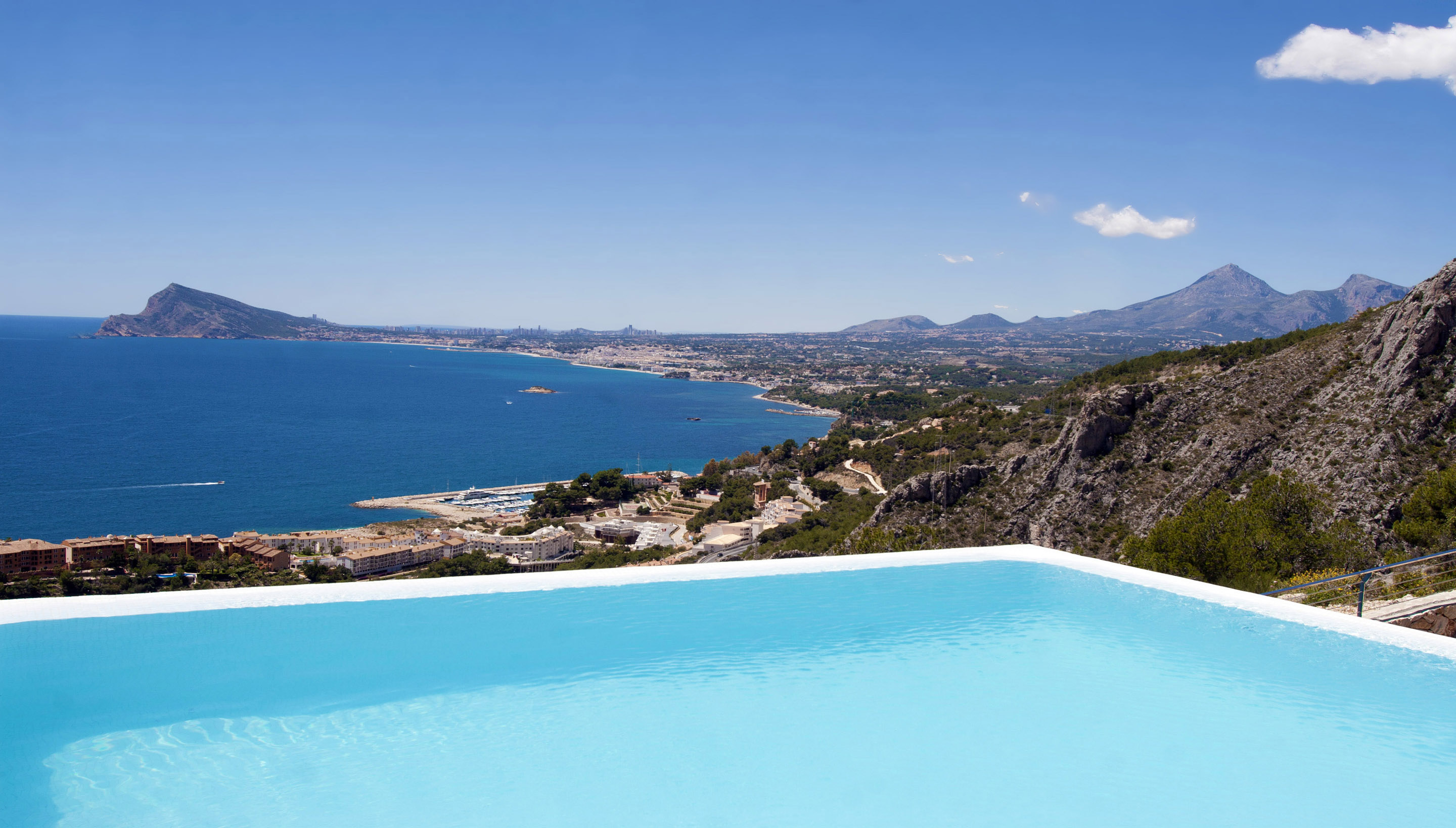swimming pool and sea view Modern Mansions Superlatives -La Perla del Mediterraneo by Carlos Gilardi