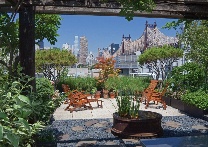 breathtaking greenery One-Coffee-Table-Book-Reveals-New-York-City's-Breathtaking-Elaborate-Roftop-Gardens-Rooftop