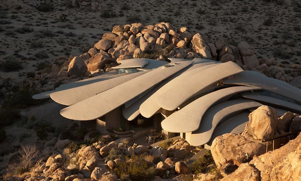 sculptural Ribcage-Like-Camouflaged-Joshua-Tree-Supervillain-Lair-Exposed-For-Sale-For-First-Time-homesthetics