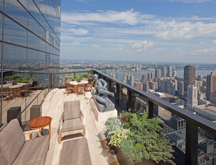 One-Coffee-Table-Book-Reveals-New-York-City's-Breathtaking-Elaborate-Roftop-Gardens-Rooftop