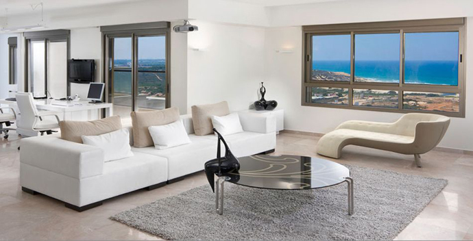 black and white living room interior design Serene White and Black Contemporary Residence Overlooking The Sea in Israel
