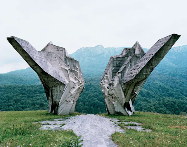 Strange Soviet Monuments in Yugoslavia that Commemorate WWII Homesthetics