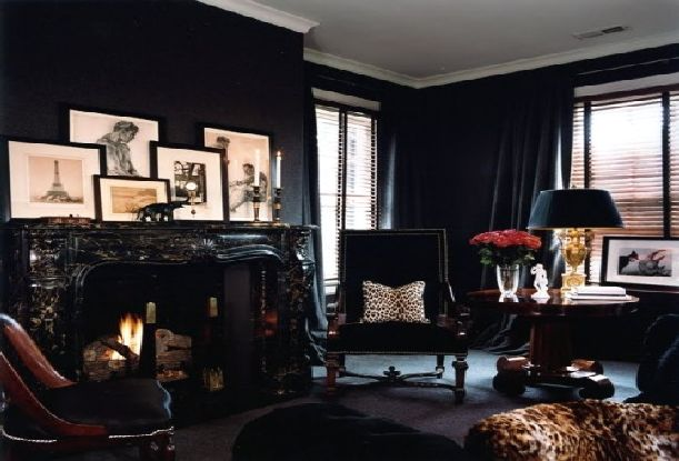 The black wall a bold statement in interior design for All blacks interiors