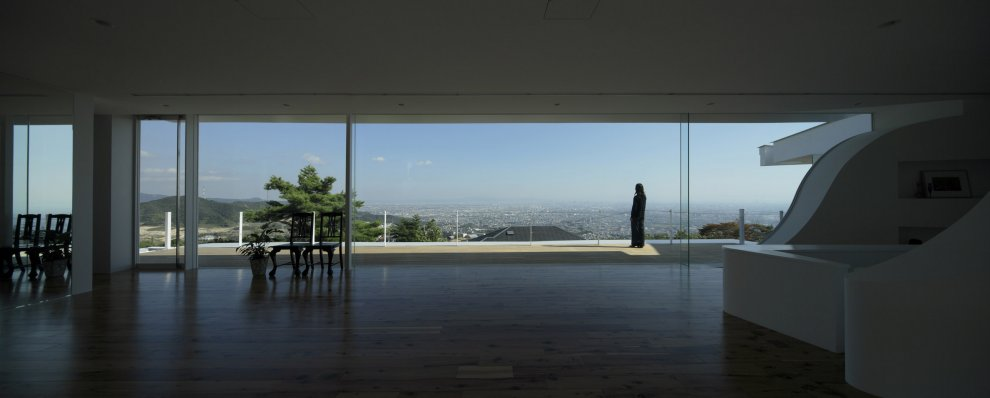 Adapting to the Landscape-Mountains&Opening House in Japan by EASTERN Design Office-Homesthetics