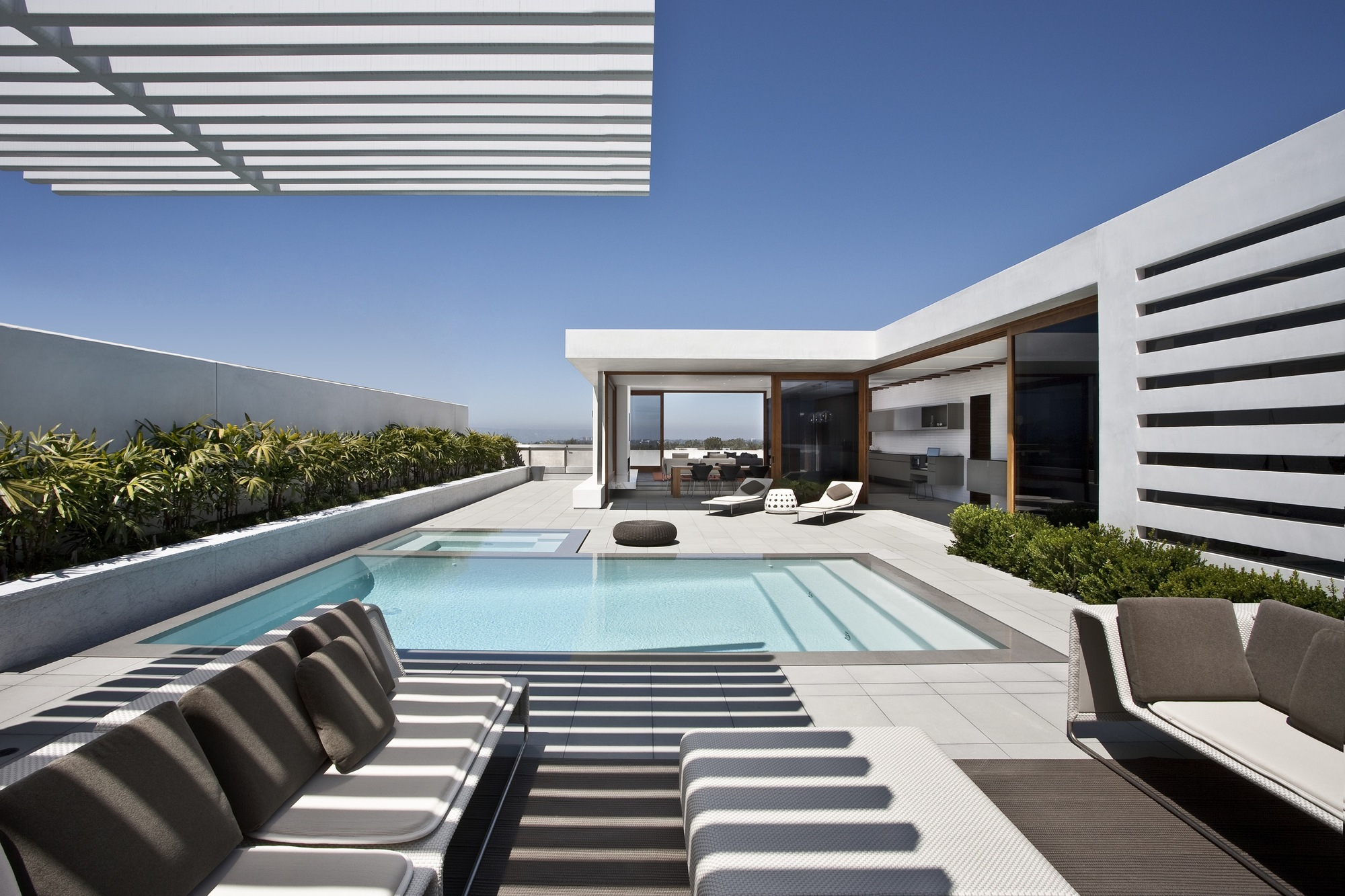 CORMAC Residence Modern Mansion by Laidlaw Schultz Architects