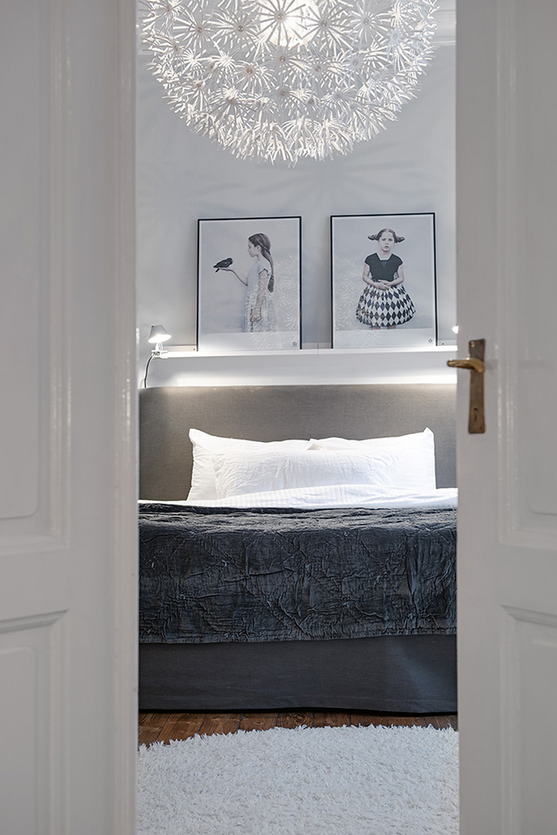 view in the lbedroom design Clean-Timeless-Beauty-Materiallized-in-Scandinavian-Interior-Design-with-a-Black-and-White-Theme