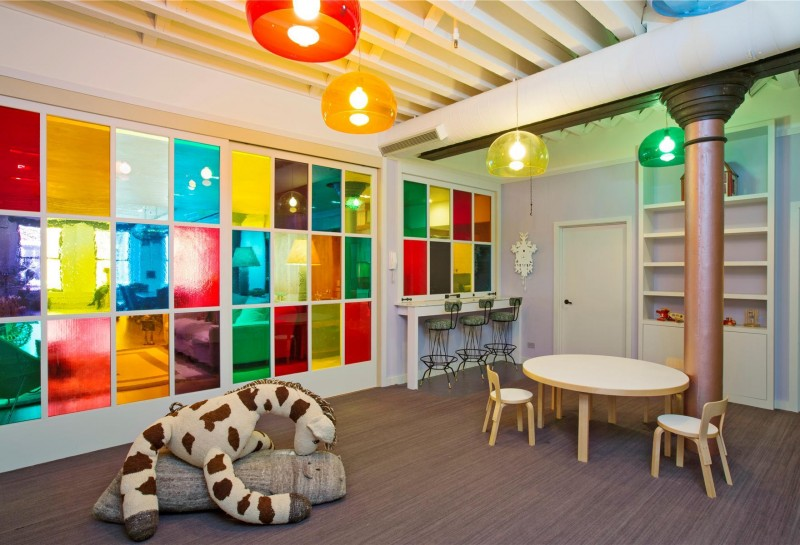 colorful living room design in Colorful-Unusual-Elegant-Penthouse-Tribeca-Manhattan-New-York-City-homesthetics
