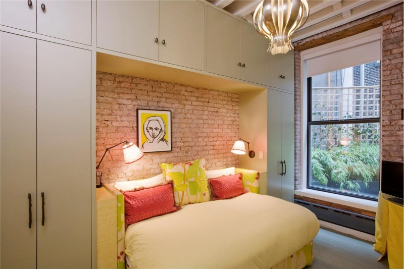small cozy bedroom design in the Colorful-Unusual-Elegant-Penthouse-Tribeca-Manhattan-New-York-City-homesthetics
