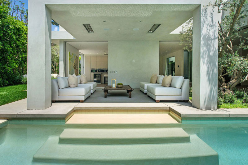 Vegetation Offering Privacy In Contemporary Modern Mansions By