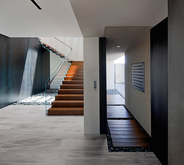 high end materials in the Diamond Grill Design - Dream Residence in Las Vegas by Assemblage Studio