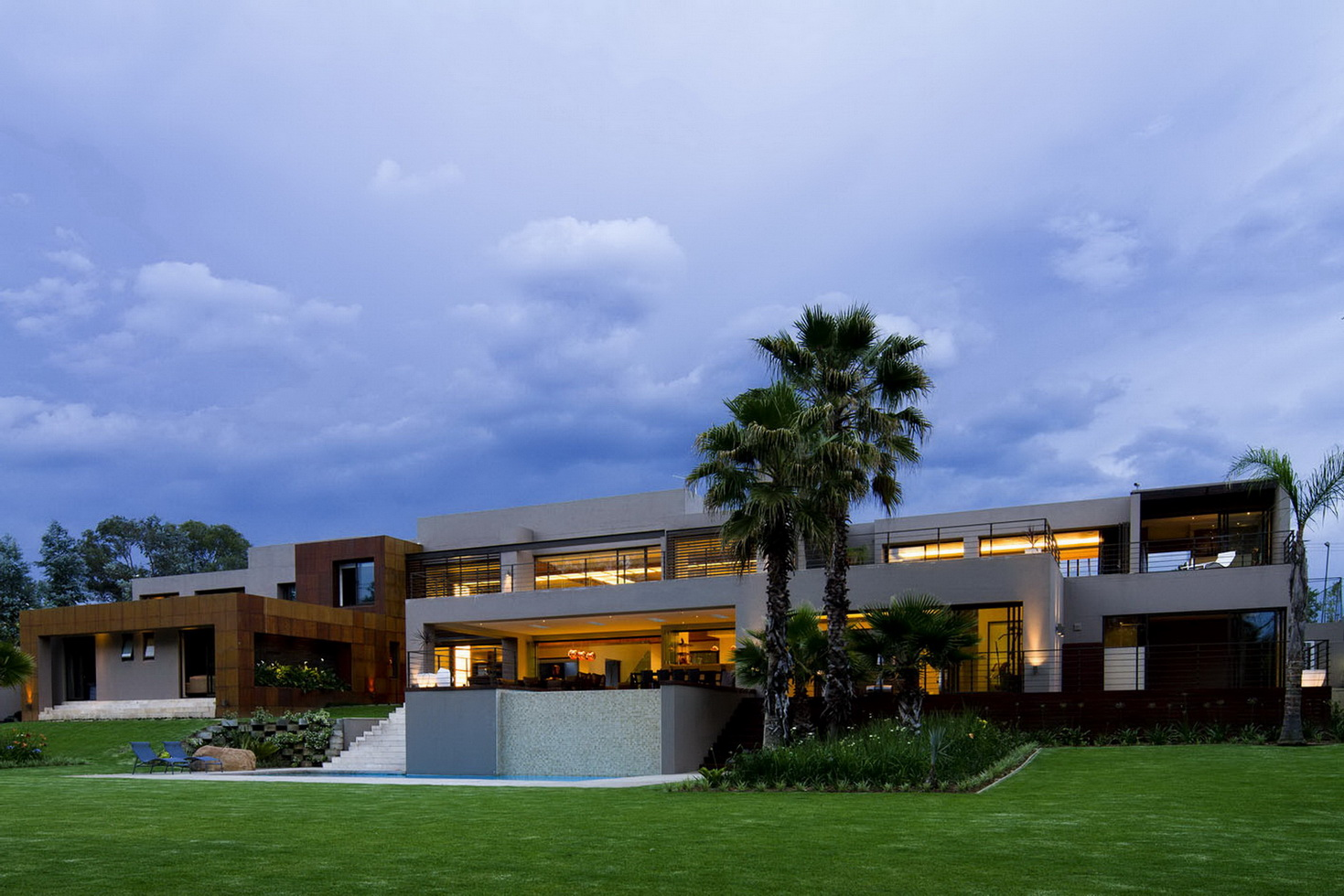 House Sed by Nico van der Meulen Architects