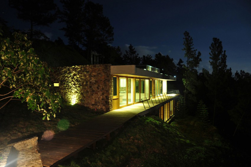 superb RD House in Dominican Republic Featuring a Sustainable Green Roof