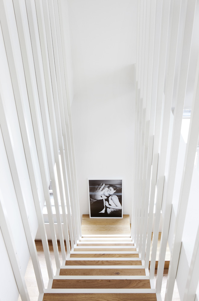 simple detail shot White Coated Staircase Floating Above the Ground-Suspended Steel Powder